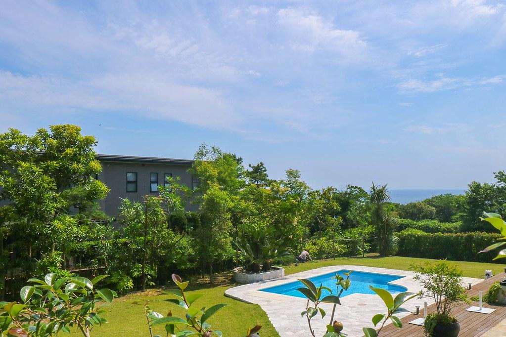 逗子の中古戸建・披露山庭園住宅:現地から見る海方面