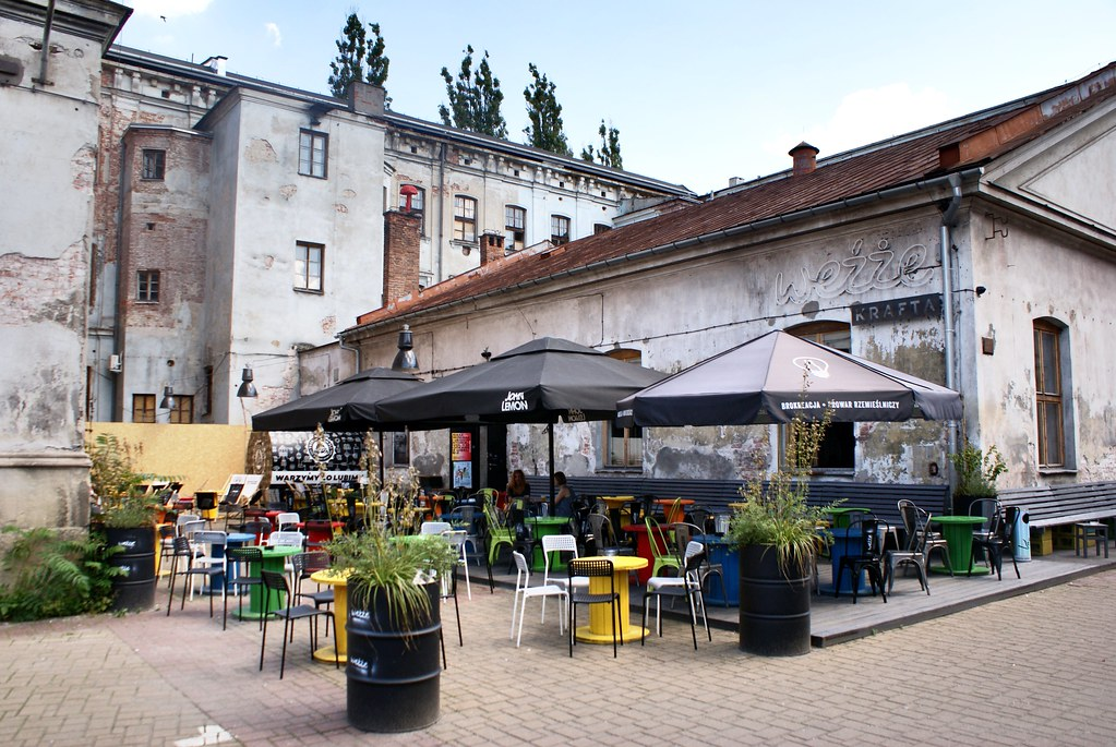 Dolne mlyny, rendez-vous un gros brin hipster à Cracovie. Vraiment pas mal pour un mini pub crawl réduit ou pour une première étape à travers la ville.
