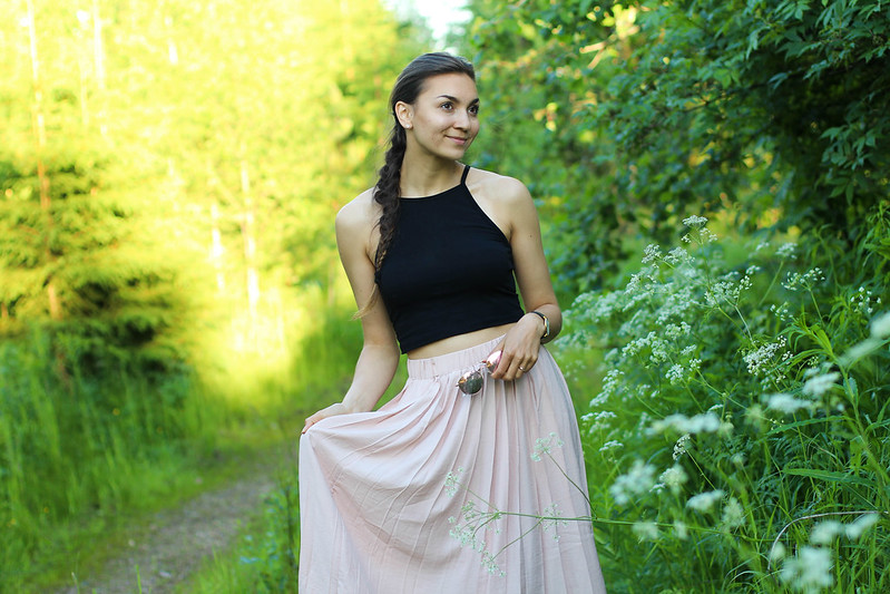 Pleated skirt outfit 1