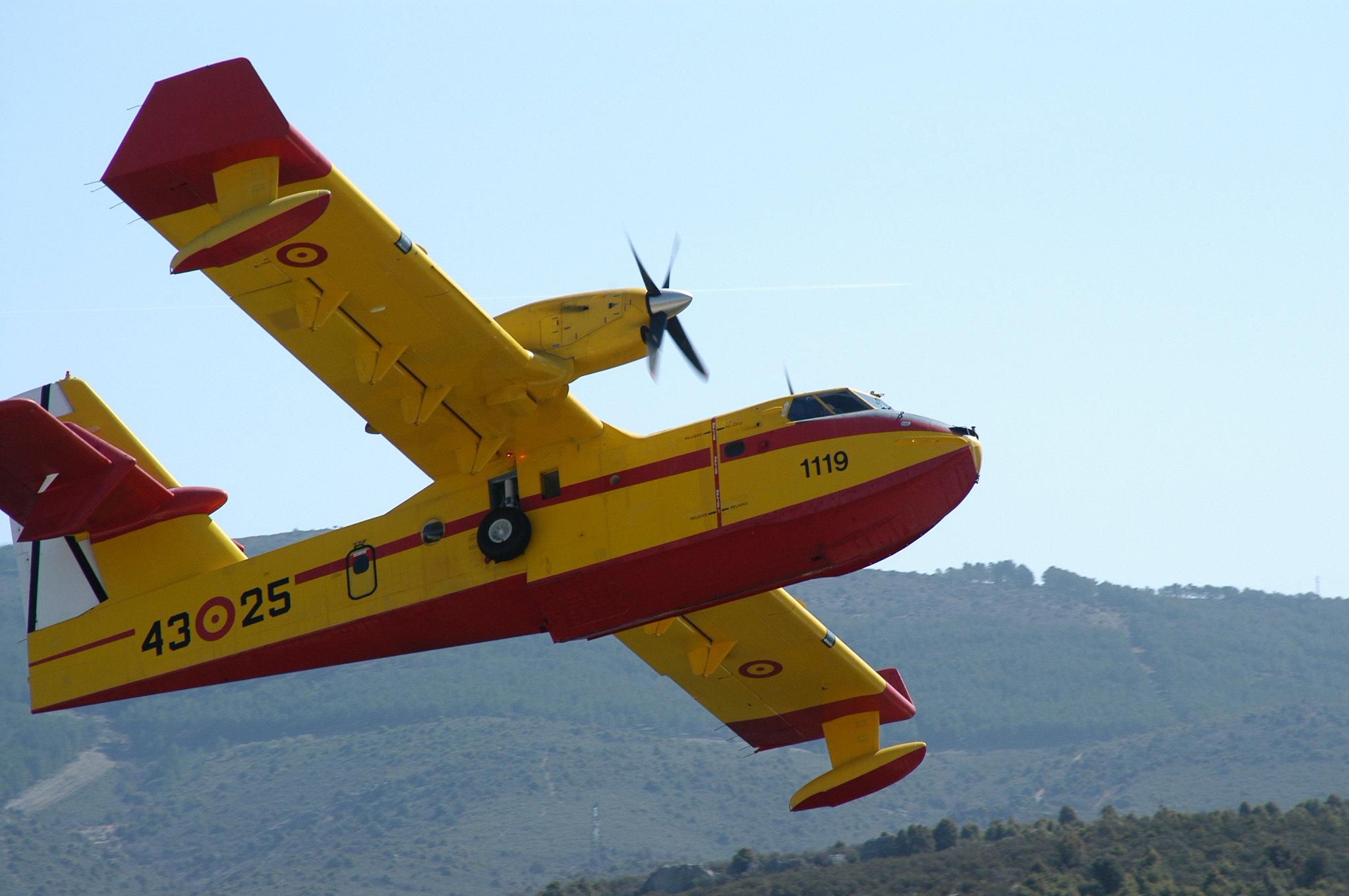 Bombardier CL-215T/415 (UD.13/14)