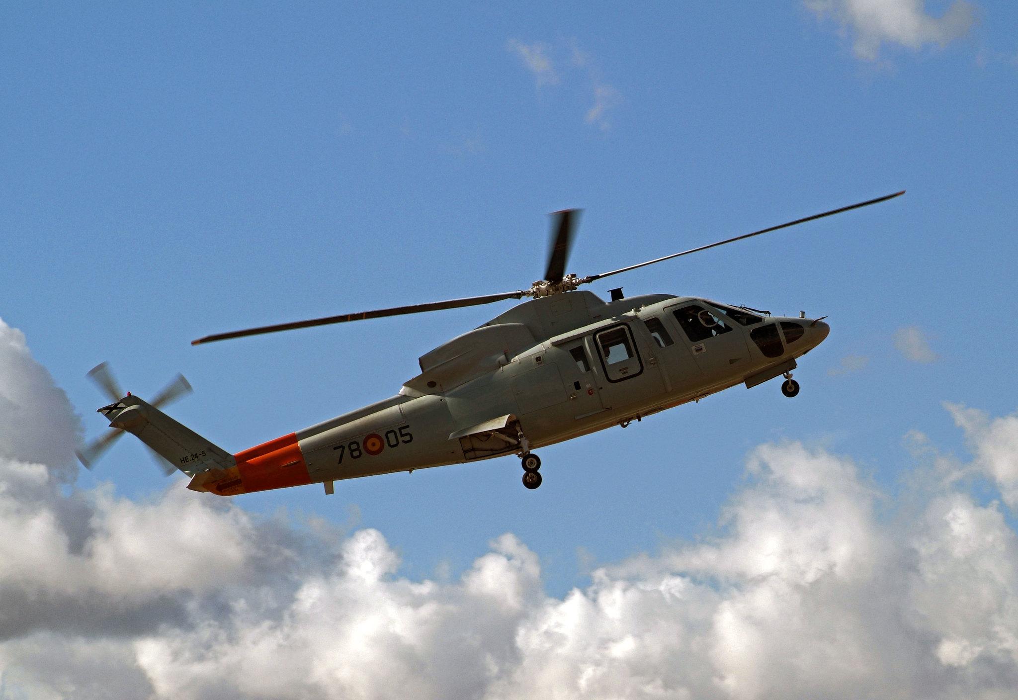 Helicóptero SIKORSKY S-76 (HE-24)