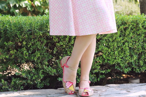 Vintage Chic for TopVintage 50s Judith Checked Swing Dress in Pink and White Miss L-Fire 50s Cute Gelato Sandals in Pink
