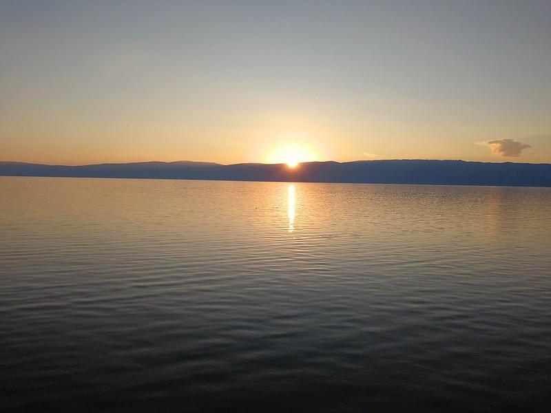Zachód słońca koło Chużyru na wyspie Olchon