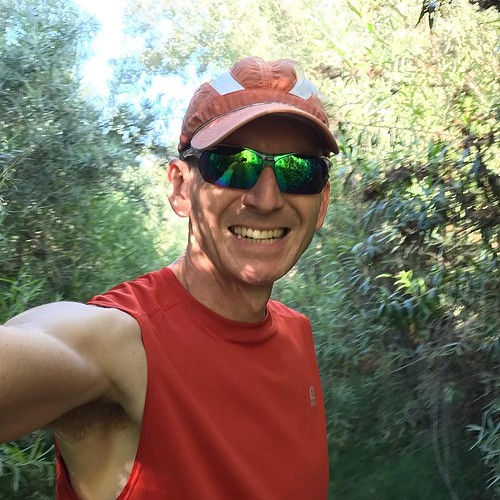 New shades. Old hat, shirt, etcetera. Friday afternoon easy trail run at panesquitos preserve. . . . #running #green #orange #trailrun #spring #sandiego #sunglasses