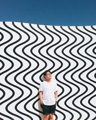 Every thought has a beginning, a transformation and a flow 🌀. #CurvesAndZigzags #claudiacomte #curves #zigzags #like4like #instagood #instadaily #uniqlo #sprzny #desertx #palmsprings #art #wallart