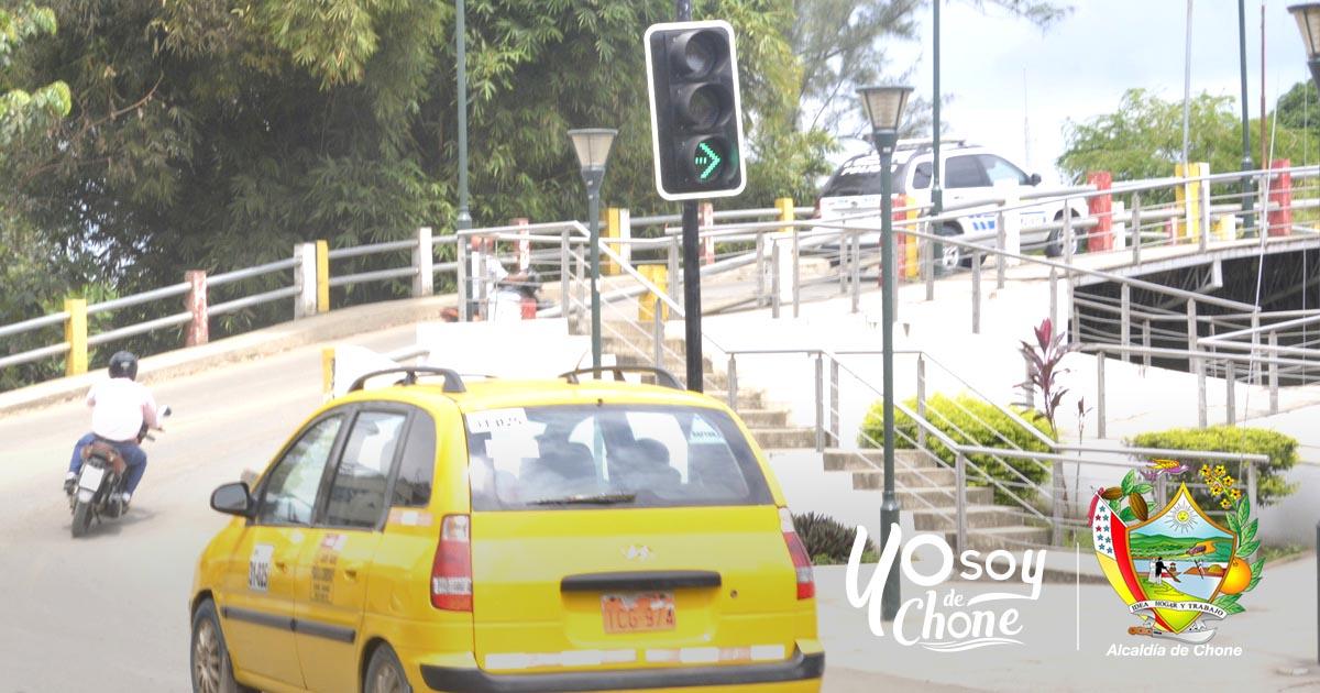 En funcionamiento semáforos de ingreso a Santa Martha