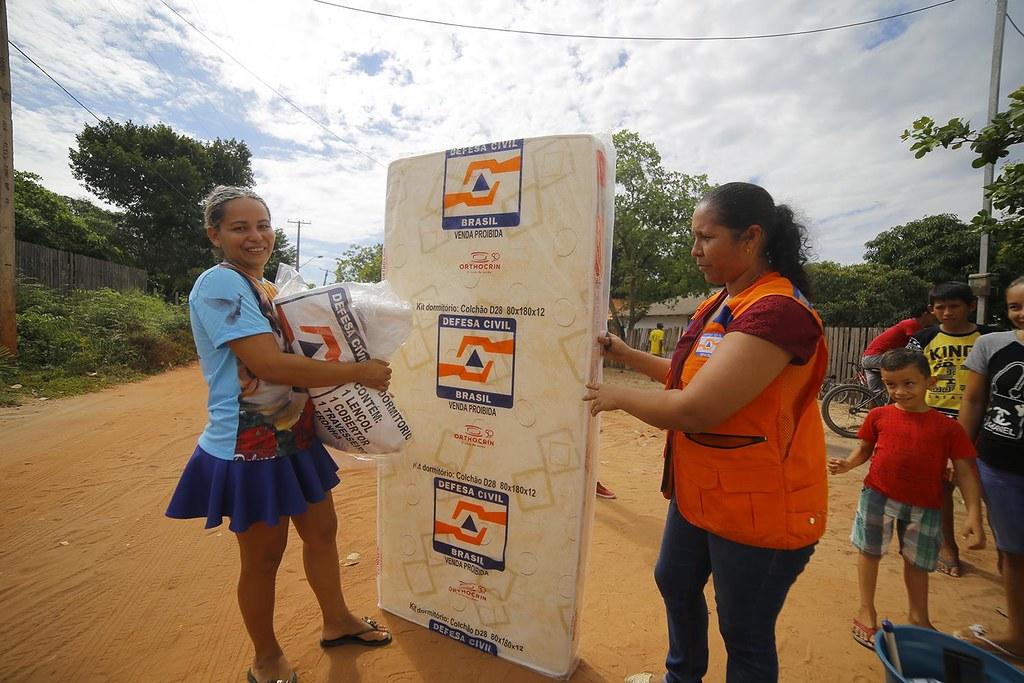 entrega kits humanitários - foto Júnior Albuquerque (4)