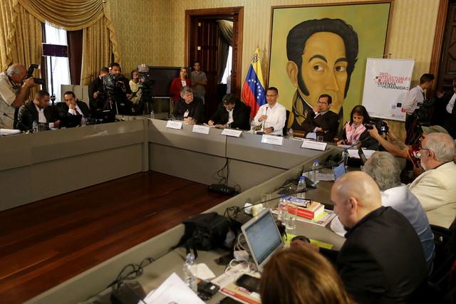Encontro da Rede de Intelectuais Artistas e Movimentos Sociais em Defesa da Humanidade em Caracas - Créditos: Alba Ciudad