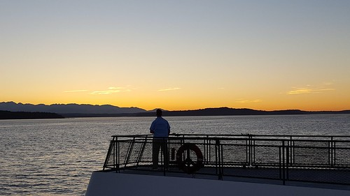 pugetsound sunset washingtonstate ferry cloudsstormssunsetssunrises