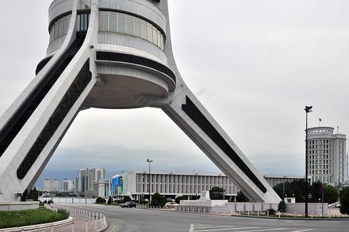 ashgabat turkmenistan statue tm
