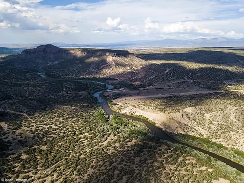 uploadedviaflickrqcom canyon river shadows mesas clouds sunset riogrande whiterockcanyon newmexico djimavicpro aerialphotography drone whiterock unitedstates america usa