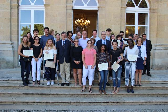 Apprentissage dans la Fonction Publique: le recteur remet leur diplôme aux premiers apprentis formés au sein des services administratifs et des EPLE de l'académie de Bordeaux