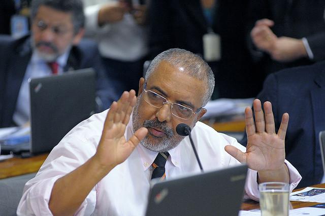 Senador Paulo Paim durante a sessão da Comissão de Assuntos Sociais que está analisando a reforma trabalhista - Créditos: Agência Senado