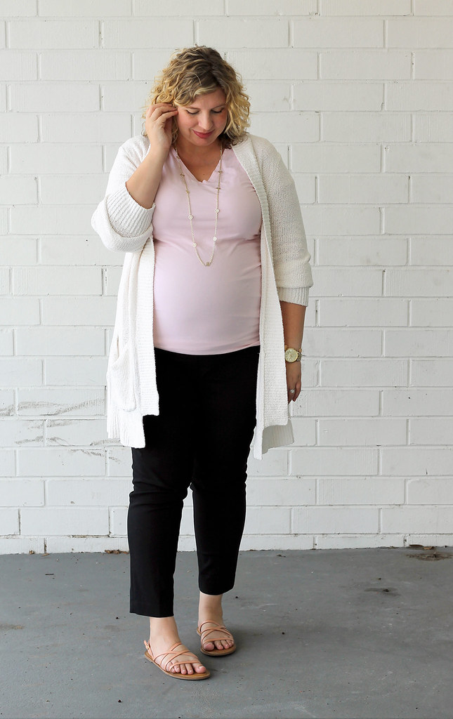 cream open weave cardigan, pink tee and maternity black pencil pants 4