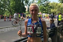 Eva Vrabcová v New Yorku osmá, obdržela pozvánku na maraton
