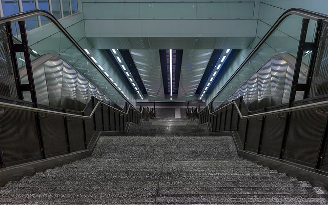Underground, Canon EOS 6D, Canon EF 35mm f/2 IS USM