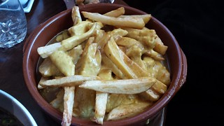 Cheesy Curry Chips at The Snug