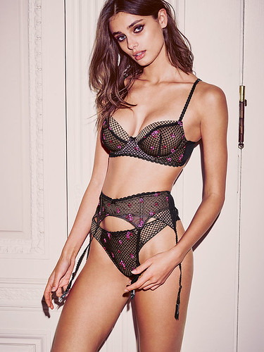 Taylor Hill - Model