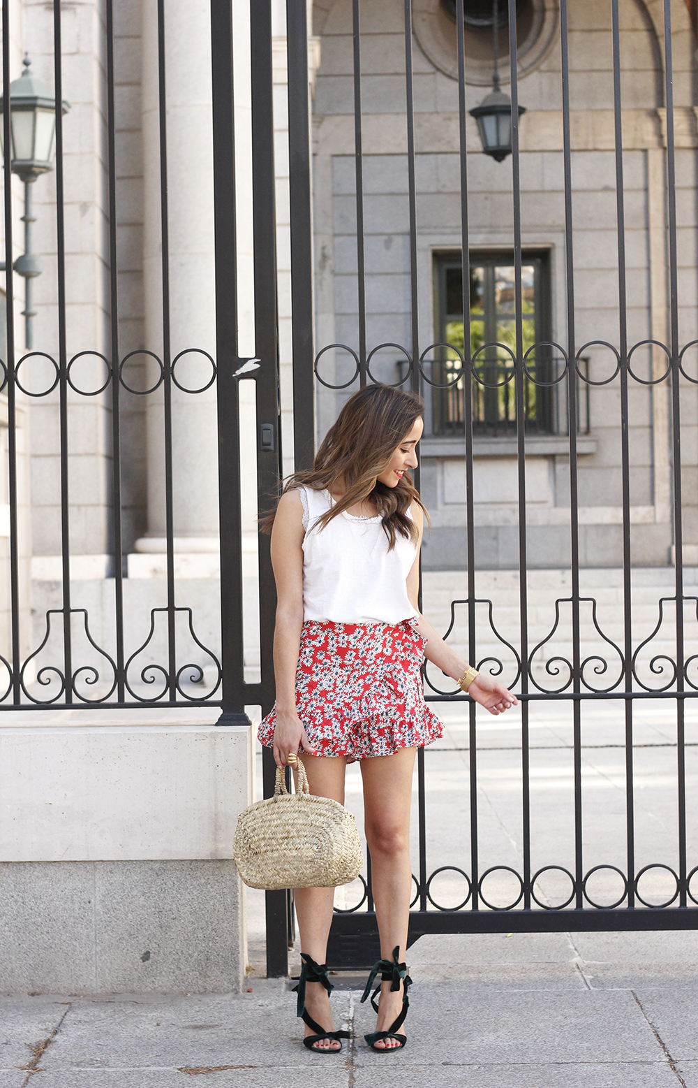 Velvet sandals floral skirt summer outfit style fashion01