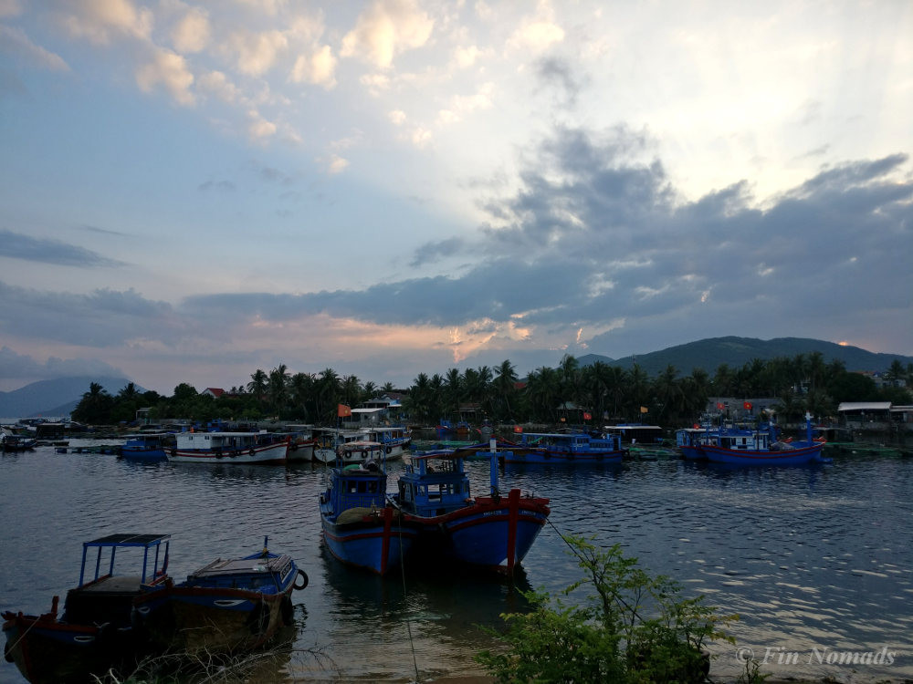Dam Mon village