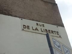 Rue de la Liberté, Semur-en-Auxois - road sign
