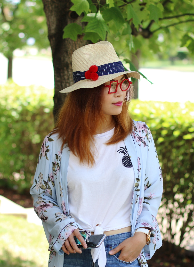 dreamer-glasses-pineapple-shirt-kimono-hat-3