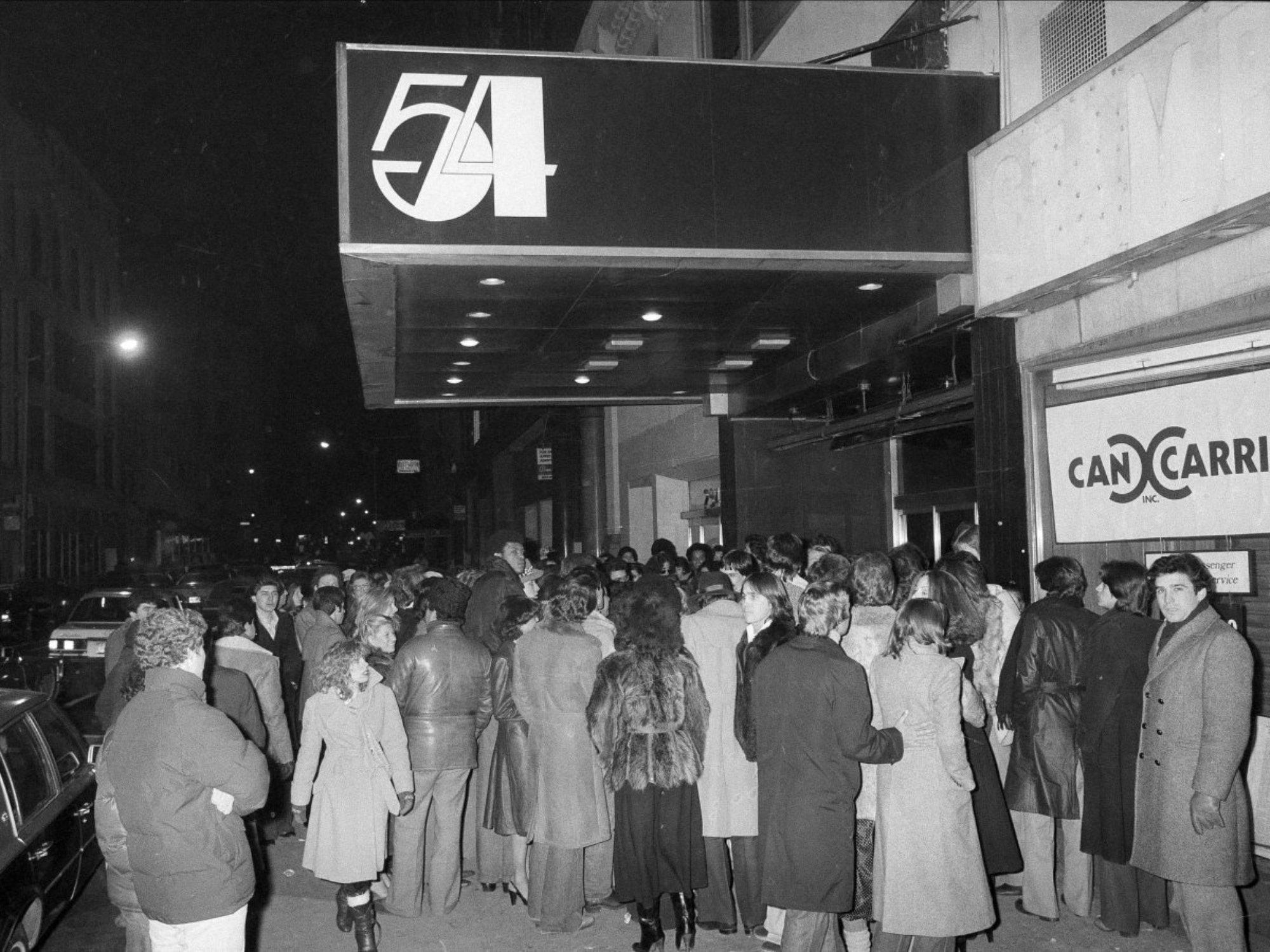 70年代美國紐約傳奇夜店「Studio 54」,政商名流性解放、嬉皮爆棚的 Disco 盛世12