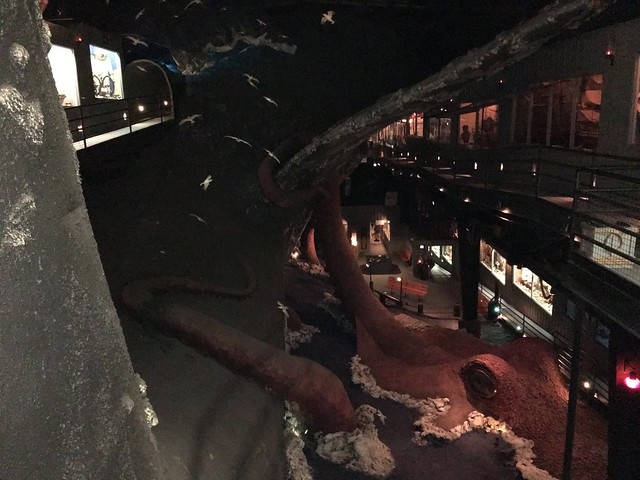 Whale vs Squid at the House on the Rock
