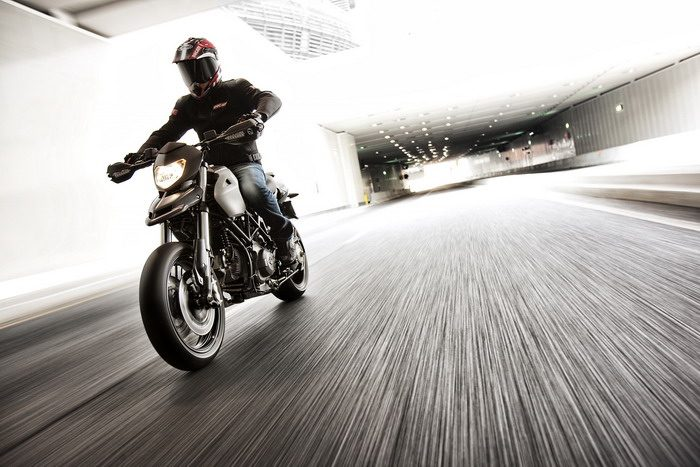 Ducati HM 796 Hypermotard 2010 - 15