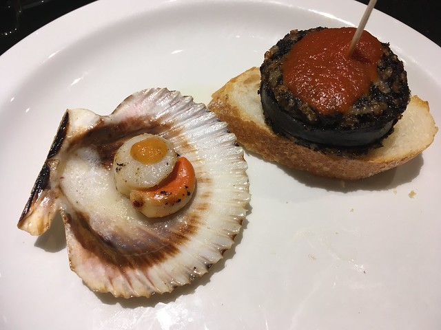Basque tapas, scallops and morcilla sausage - Taktika Berri