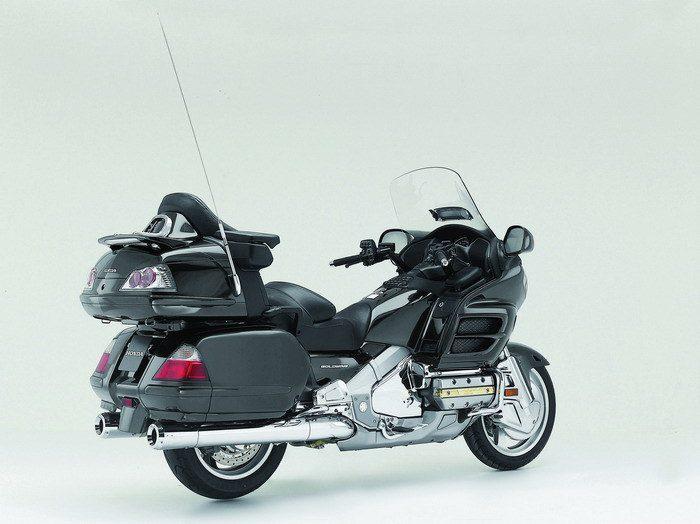 Honda GL 1800 GOLDWING 2010 - 23