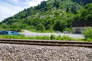 線路を渡ってマイカーへ