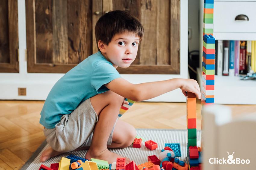 El pequeño constructor de lego