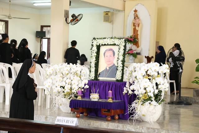 Hình ảnh Lễ Giỗ 100 Ngày Đức Cha Giuse Vũ Duy Thống