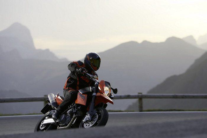 KTM 990 SM Supermoto 2008 - 1