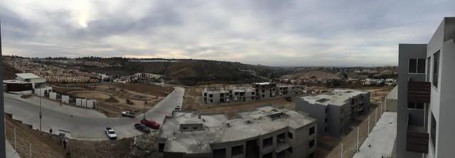 GIG de La Rioja Tijuana Construye un Cochinero de Casas Mal Echas - Foto desde Departamentos de 3 recamaras en Vemta en Tijuana