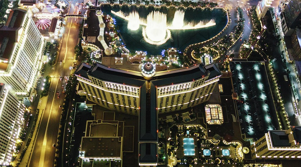 bellagio-hotel-exterior-aerial-above