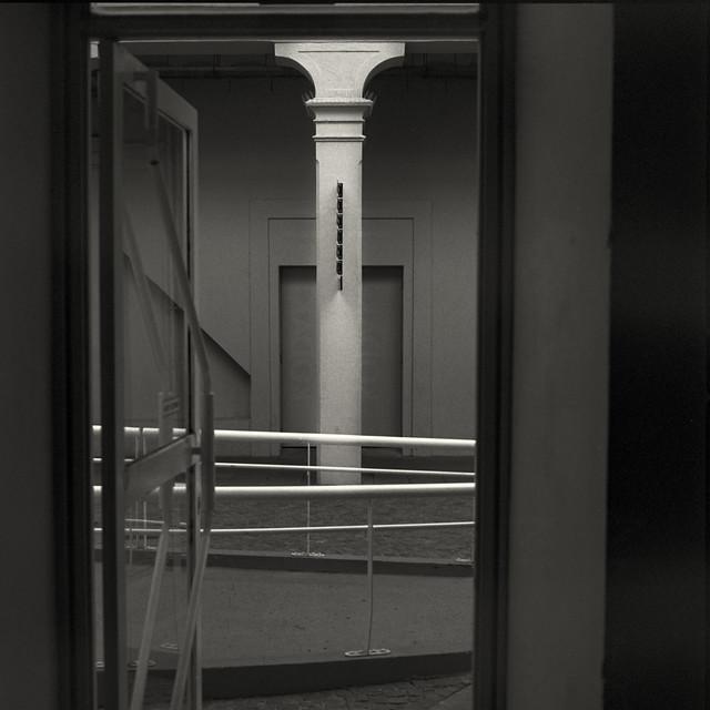 Column (Hasselblad 503, Kodak Tri-X 400)