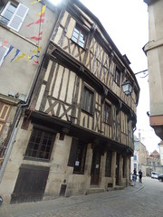 Rue Buffon, Semur-en-Auxois - timber framed building towards Place Notre Dame