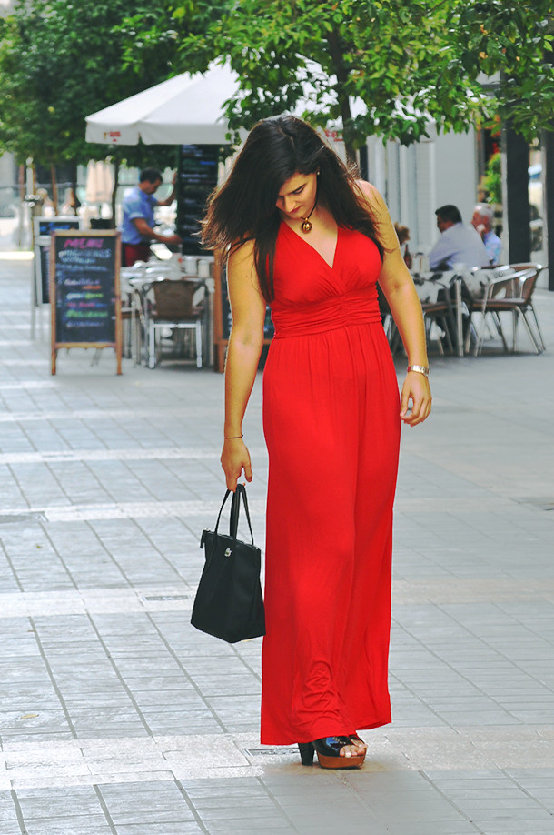 valencia something fashion blogger spain influencer streetstyle red modcloth maxi dress_0103
