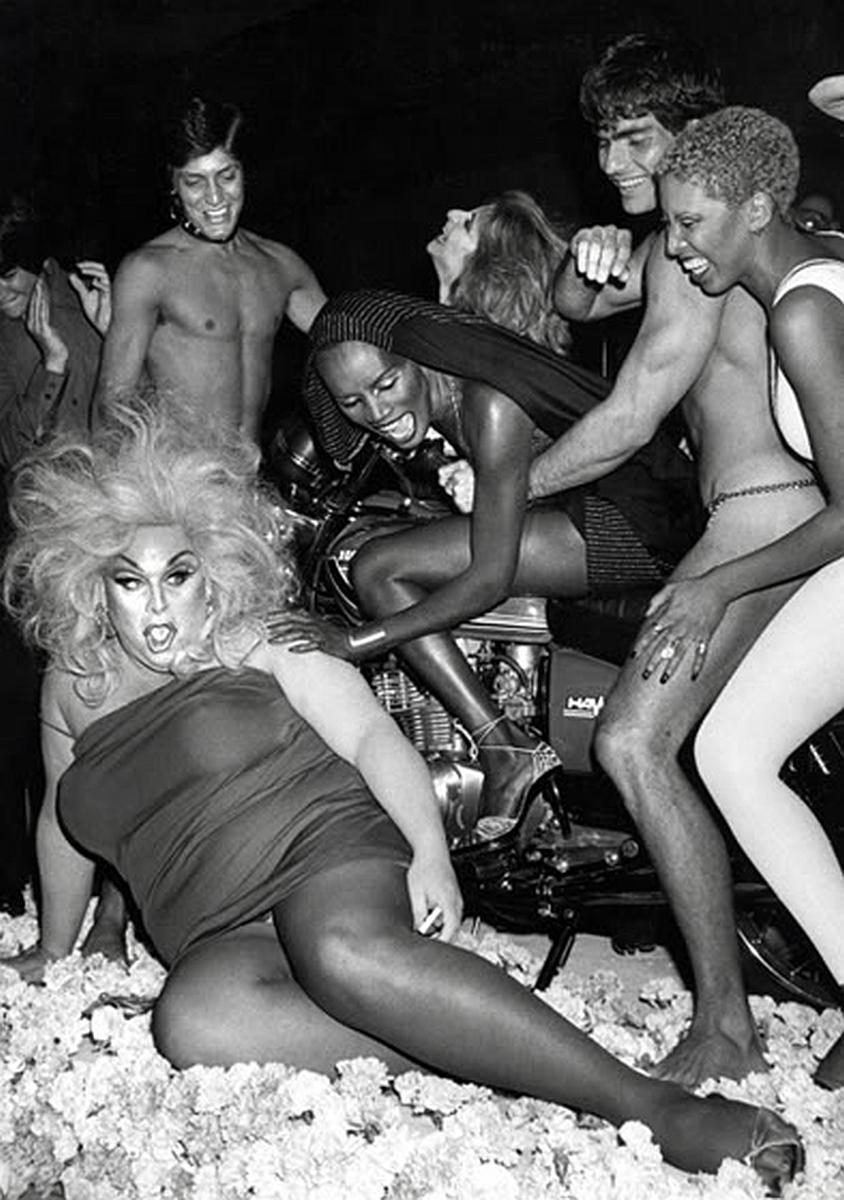 70年代美國紐約傳奇夜店「Studio 54」,政商名流性解放、嬉皮爆棚的 Disco 盛世13