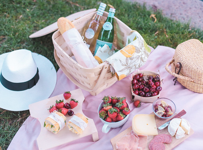 what to pack on a summer picnic williams sonoma basket