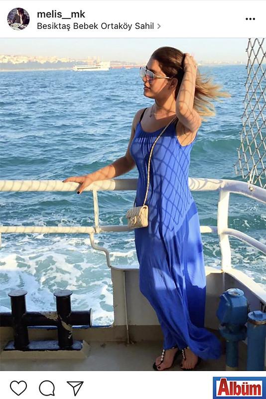 Melis Kıyanç, Ortaköy Sahili'nde yaptığı vapur turu ile boğaz manzarasının tadını çıkardı.