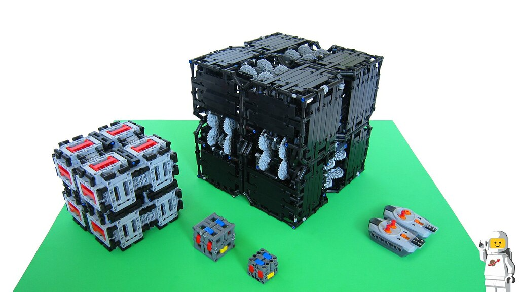 Lego Motorized Mega Magic Folding Cube