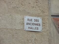 Rue des Anciennes Halles, Flavigny-sur-Ozerain - road sign - Photo of Boux-sous-Salmaise
