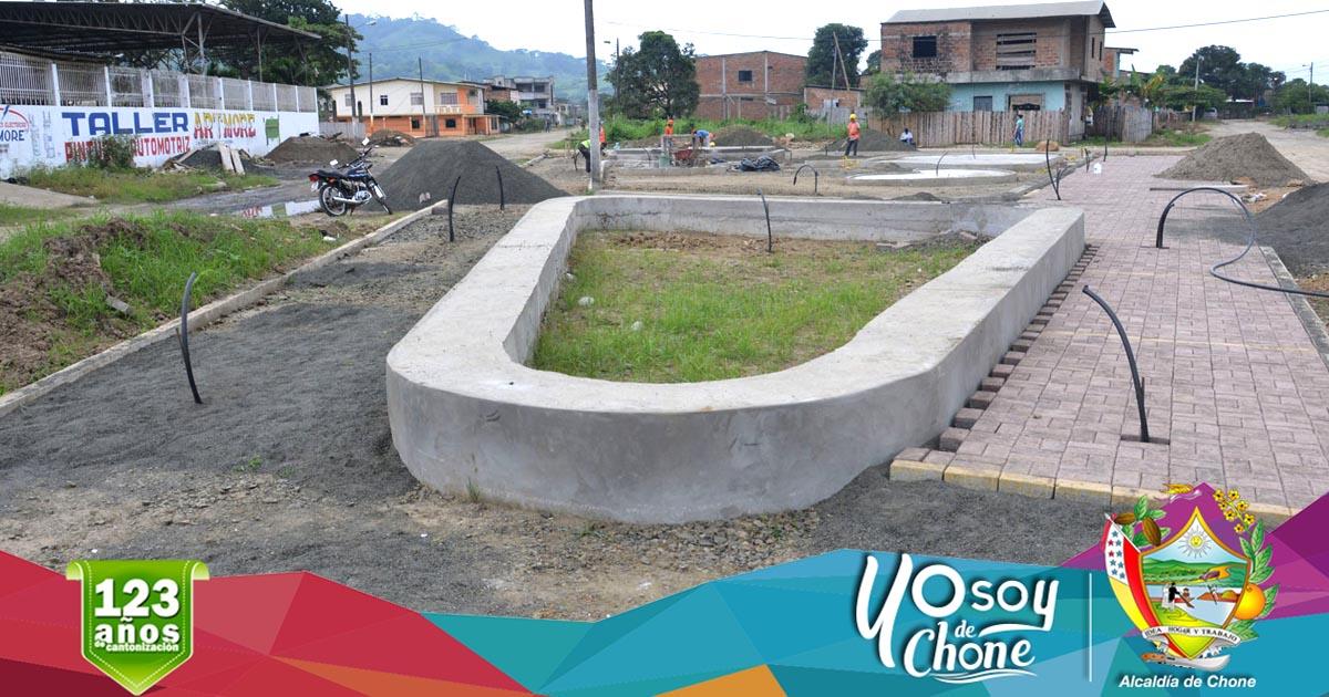 Continúan construcción dos parques nuevos