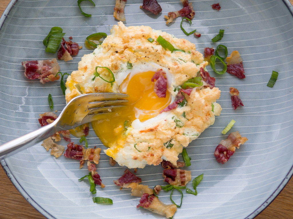 Recipe for Homemade Breakfast Cloud Eggs with Bacon
