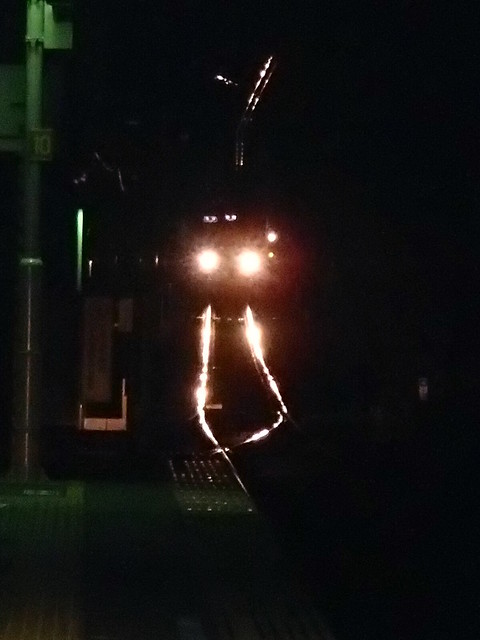 闪亮放光的轨道  京王线高尾站 - naniyuutorimannen - 您说什么!