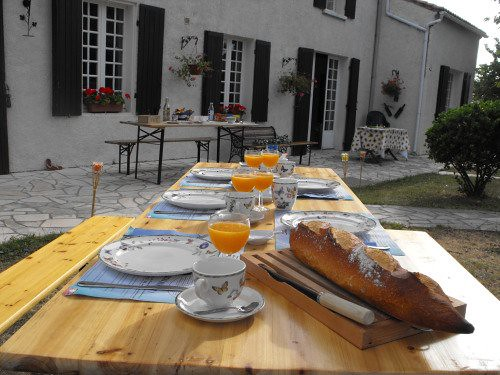 Au Bellefleur: A Luxury B&B in Sigogne, France