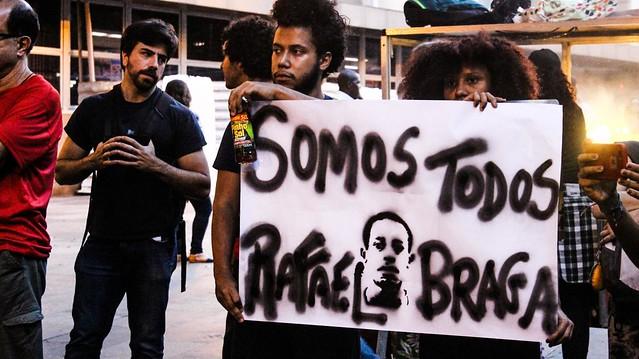 Deputados também encontrão Rafael Braga, jovem negro que foi preso nas manifestações de junho de 2013, por portar pinho sol na mochila - Créditos: Mídia Ninja